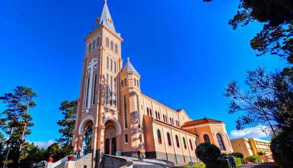Tìm hiểu về nhà thờ con gà Đà Lạt