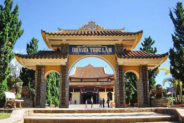 đến tham quan Thiền Viện Trúc Lâm