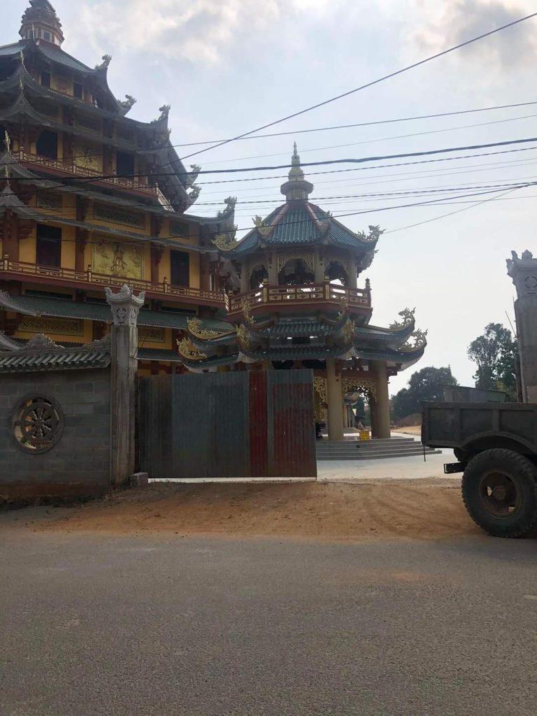 Cần bán đất tại chùa Phú An