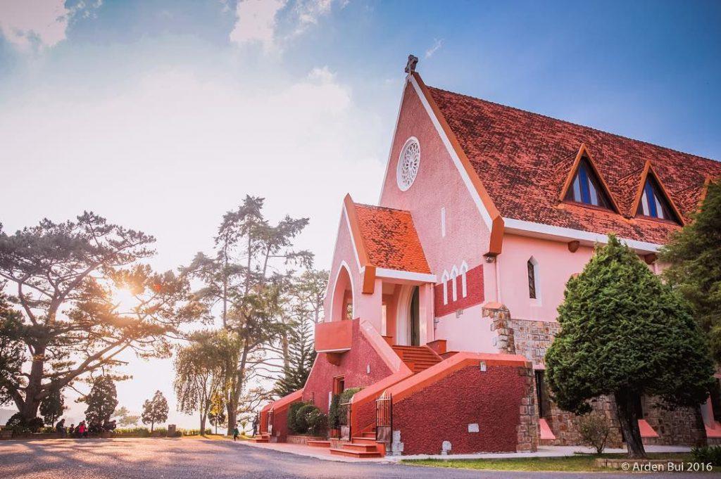 Nhà thờ màu hồng Đà Lạt