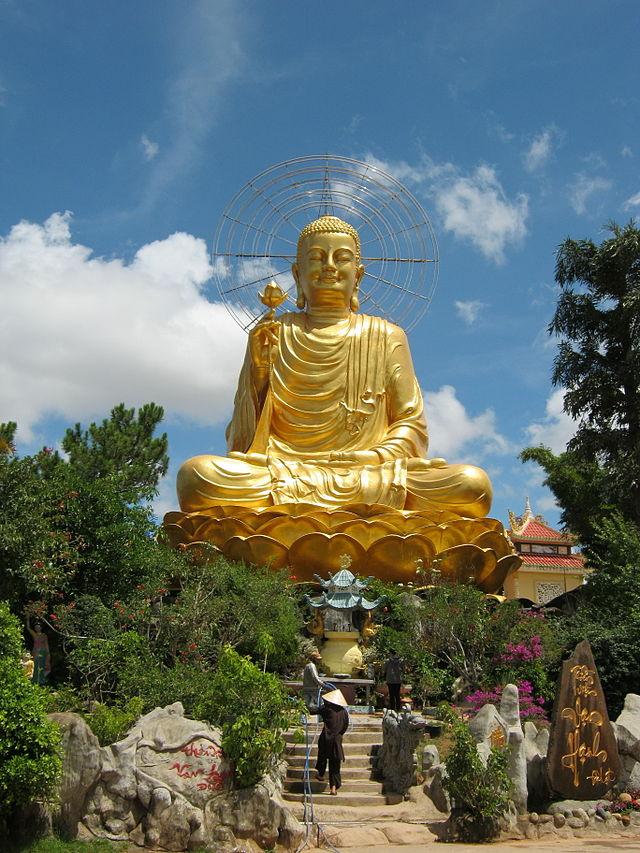 Tượng Phật tại Thiền Viện vạn Hạnh
