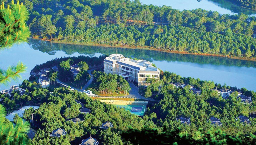 Hồ Tuyền Lâm có gì hấp dẫn