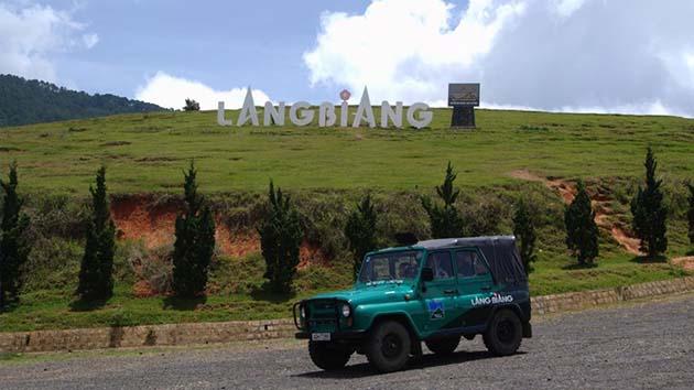 Xe Jeep tại Langbiang