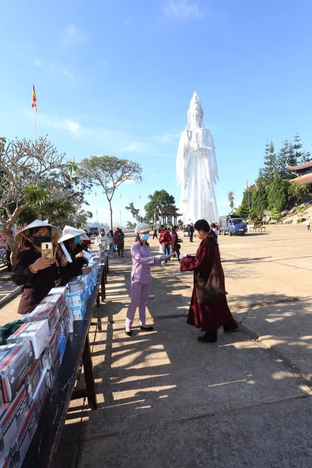 Hình ảnh ở chùa Linh Ẩn Tự