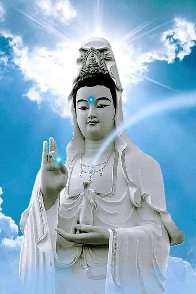 Tượng Quan Âm ở chùa Linh Ẩn Tự Đà Lạt